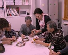 認知症介護02日本ヘルスケアアロマ協会